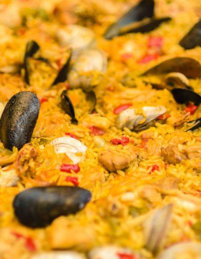 Sire Ricevimenti - catering e buffet, angolo Paella Valenciana, durante un matrimonio in Campania Napoli